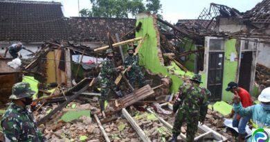 Earth quake in Indonesia