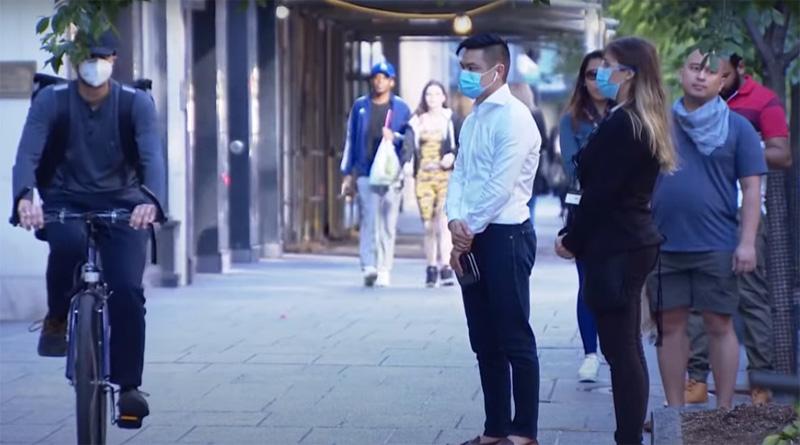 People wear mask in Canada